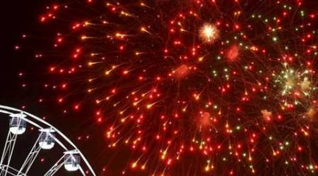 Delhi govt to consider restricting use of firecrackers atweddings