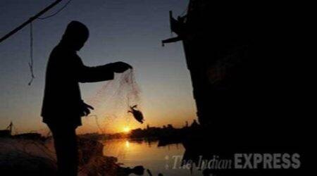 Sri Lanka arrests 15 Indian fishermen