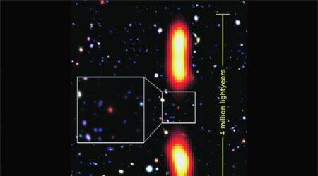 Dying, giant radio galaxy catches astronomers'attention