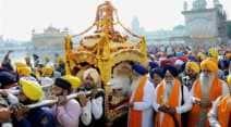 Guru Nanak Jayanti, Gurpurab, Guru Nanak birth anniversary, Guru Nanak Golden Temple, Guru Nanak birthday, Sikhs Gurpurab, Gurpurab pictures, Gurpurab India, Guru Nanak India