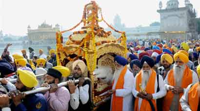 Guru Nanak Jayanti celebrations: Must-see photos