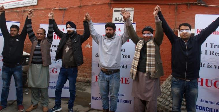 Kashmiri Pandit, Hug campaign, Sandeep Mawa, Sandeep Mawa hug campaign, kashmir hug campaign,tolerance social experiment, Muslim community, Sikh community, nation news, india news