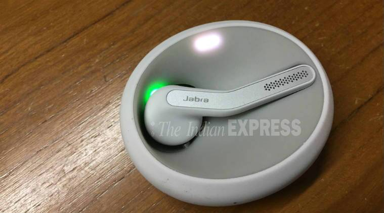 The Jabra Eclipse bluetooth headset lights up in green or red to tell you if there is charge or not