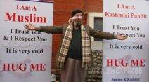 Kashmiri Pandit, Hug Campaign, Jammu and Kashmir, tolerance, Brotherhood, Interfaith Dialogue, Sandeep Mawa, Blindfolded Kashmiri Pandit, Kashmiri Pandit invites hugs, Promote Brotherhood, Kashmir News, Jammu News, Jammu and Kashmir news, Srinagar news