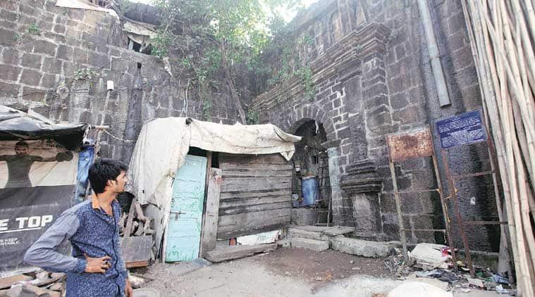mahim fort, mahim fort encroachment, mahim fort illegal encroachment, mahim fort restoration, mumbai forts, mumabi news