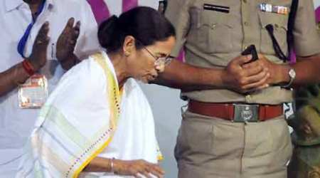 Flood relief: Centre has money for Tamil Nadu, not Bengal, says Mamata Banerjee