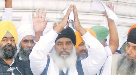 Drama at Akal Takht: Official jathedar faces protests and black flags as 'acting' one moves freely
