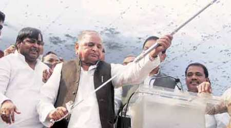 SP, Samajwadi party, party car, SP cars, career on bicycle, Mulayam singh Yadav, SP Mulayam Singh, SP Chief, talk