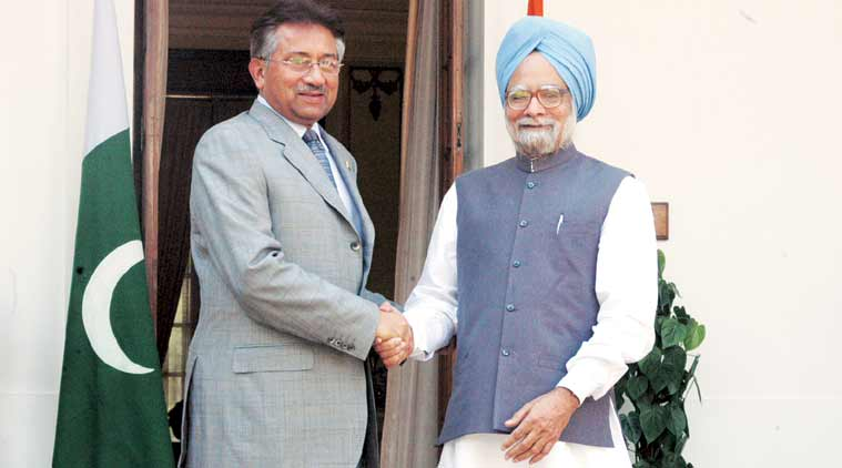 In 2005, then president of Pakistan, Pervez Musharraf, shakes hands with then prime minister of India, Manmohan Singh, in New Delhi. (Source: Getty Images)