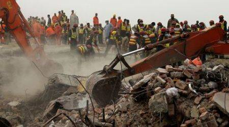 Death toll in Pakistan factory collapse rises to45