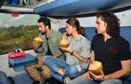 deepika padukone, ranbir kapoor, tamasha, imtiaz ali, deepika, ranbir, deepika padukone in train, deepika padukona train pictures, ranbir kapoor in train, ranbir kapoor train pictures, ranbir deepika train, deepika ranbir train pics, imtiaz deepika ranbir, entertainment, bollywood, tamasha