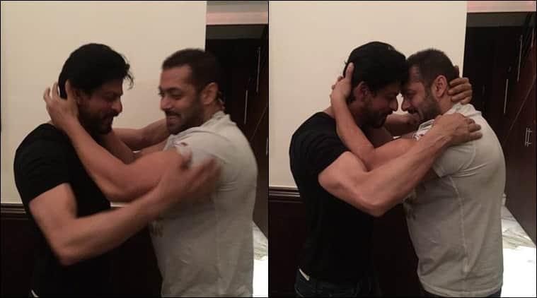 Salman Khan wished SRK his golden jubilee