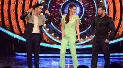 Shah Rukh Khan's 'Dilwale' team – Varun and Kriti on Salman Khan's 'Bigg Boss'
