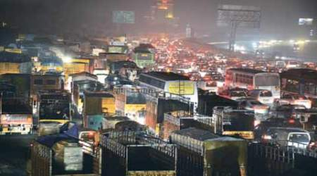 To check pollution, Delhi govt announces curbs on plying of pvt vehicles