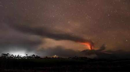 Volcanic eruption closes two Indonesian airports