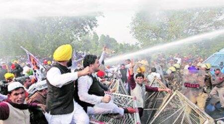 AAP, AAP protest, chandigarh police, Parkash Singh Badal, chandigarh news