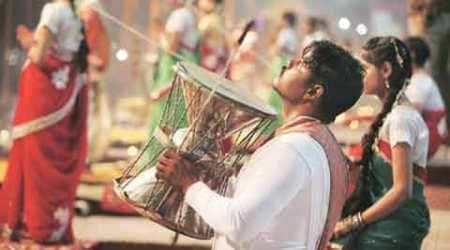 Narendra Modi, Shinzo Abe, varanasi, Shinzo Abe varanasi, varanasi swachh bharat mission, clean varanasi, abe varanasi visit, abe modi varanasi, india news, varanasi news, Uttar pradesh news, latest news