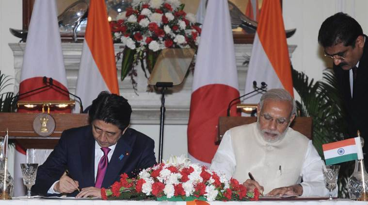 The Prime Minister, Shri Narendra Modi and the Prime Minister of Japan, Mr. Shinzo Abe at the signing ceremony, in New Delhi on December 12, 2015.