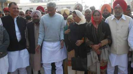 Jakhar missing: AAP accuses Akalis, Cong of shielding firm chief Bhangoo