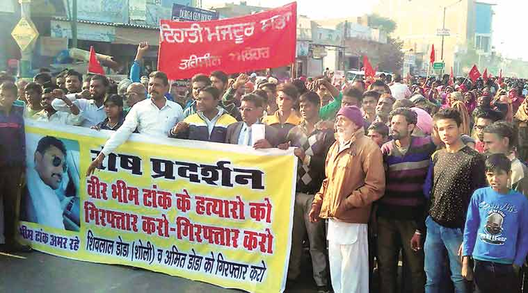 Protesters demanding the arrest of Shiv Lal Doda and his nephew, in Abohar. (Express Photo by Gurmeet Singh)