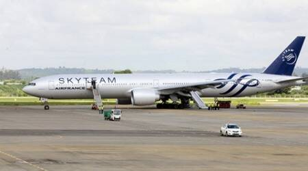 Retired policeman held over fake Air France bomb: Legalsource