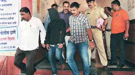 Mumbai double murder: Prime suspect left for UP only after bodies wereretrieved