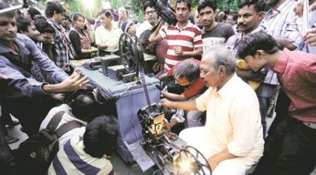 The old box of wonders: Salim, Kolkata's last bioscope man and his love for theart