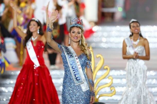 Spain's Mireia Lalaguna Royo crowned Miss World 2015