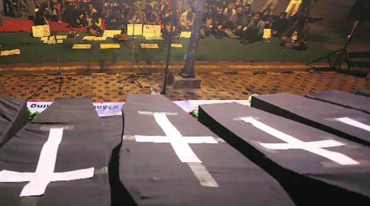 jantar mantar, jantar mantar coffin, black coffin, delhi black coffin, martyrs coffin, delhi martyrs coffin, delhi news