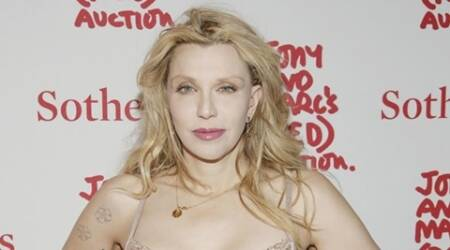Courtney Love shares cute photo with Carrie Fisher