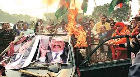dawood ibrahim, dawood ibrahim car, dawood ibrahim car burning, dawood car burning, mumbai news, india news