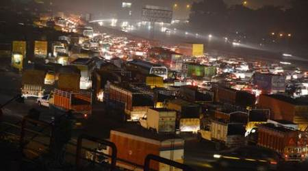 Trucks to be allowed entry into Delhi from 11 PM from next year to curb pollution