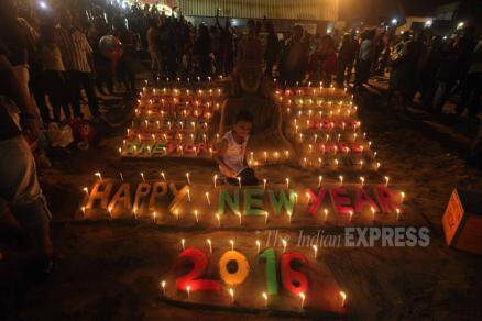 New Year 2016, New Year celebrations, New year, happy new year, 2016 celebrations, Mumbai new year, happy new year pictures, new year 2016 pictures, world new year,