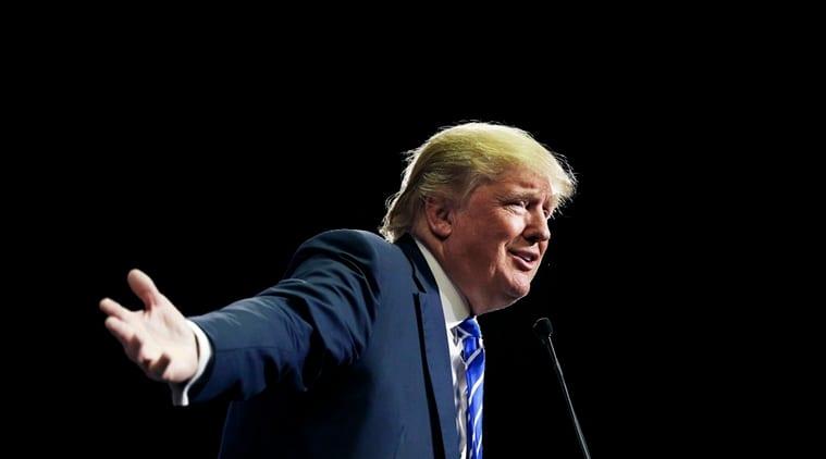 Donald Trump, Bernie Sanders, Trump sanders, bernie sanders Trump, Trump bathroom remark, Trump clinton sexist remark