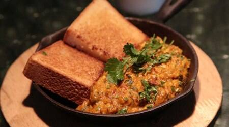 Foodi.e. Plates: Give your 'anda bhurji' a Parsi twist
