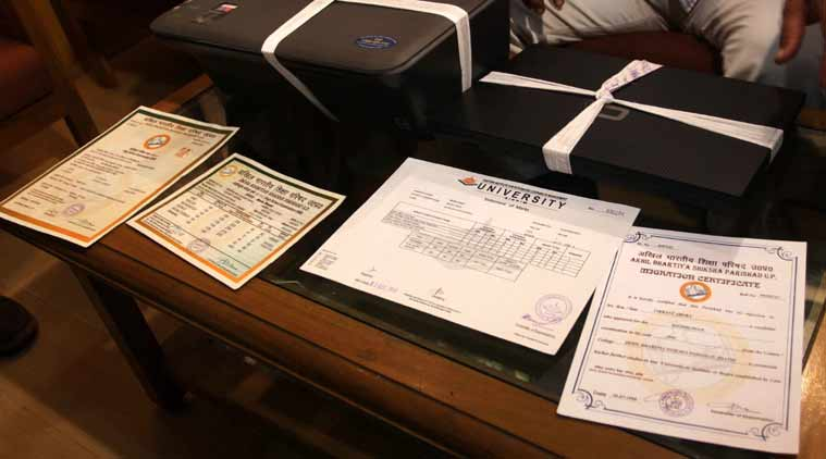 Cops Bust Fake Certificate Racket In Pune The Indian Express