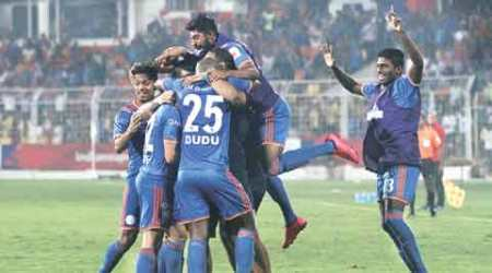 Indian Super League: At home, Goa comes to party