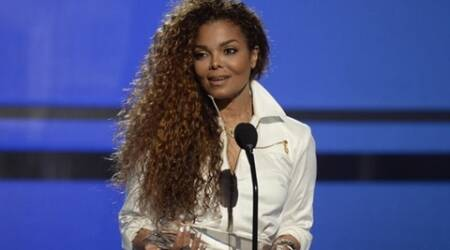 Janet Jackson postpones world tour