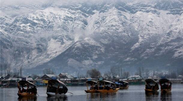 Paradise on earth: Stunning photos of fresh snowfall in Kashmir