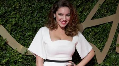 Kelly Brook shows off 'Baywatch' run