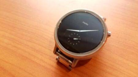 Motorola, Motorola Moto 360, Moto 360 smartwatch, new Moto 360, Moto 360 (2nd gen), Moto 360 (2015), Moto 360 (2014) vs Moto 360 (2015), Moto 360 1 vs Moto 360 2, Moto 360 (2nd gen) specs, Moto 360 (2nd gen) features, Moto 360 (2nd gen) Flipkart, wearables, Moto smartwatch, technology news
