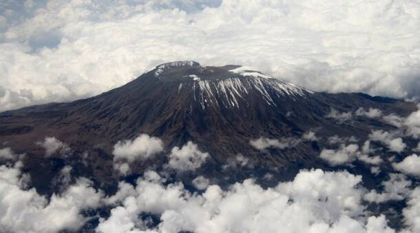 Light up! 11 volcanoes you can visit on your next trip