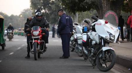 Over 5 crore motorists driving with fake licence; could face jail term of up to ayear