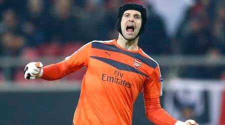 Football Soccer - Olympiacos v Arsenal - UEFA Champions League Group Stage - Group F - Georgios Karaiskakis Stadium, Piraeus, Greece - 9/12/15 Arsenal's Petr Cech celebrates at the end of the match Action Images via Reuters / Andrew Couldridge Livepic EDITORIAL USE ONLY.
