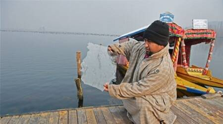 Cold wave tightens grip in KashmirValley