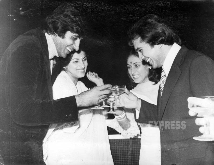 Rajesh Khanna, Dimple Kapadia, Amitabh Bachchan, Jaya Bachchan