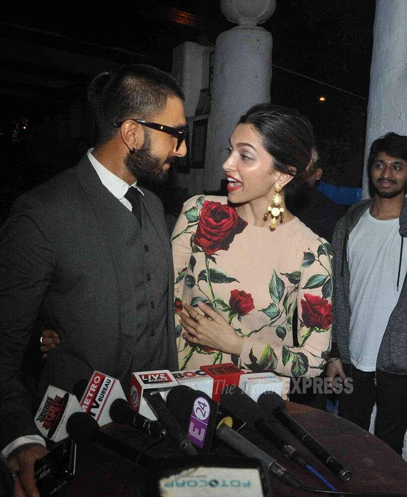 """Ranveer Singh went on to praise Deepika's performance in 'Tamasha' calling it unprecedentedly, stupendous and highly nuanced. Looking right into her eyes, Ranveer said, """"I am proud of Deepika."""""""