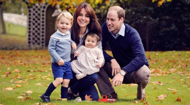 The royal family pose for a family portrait ahead of Christmas
