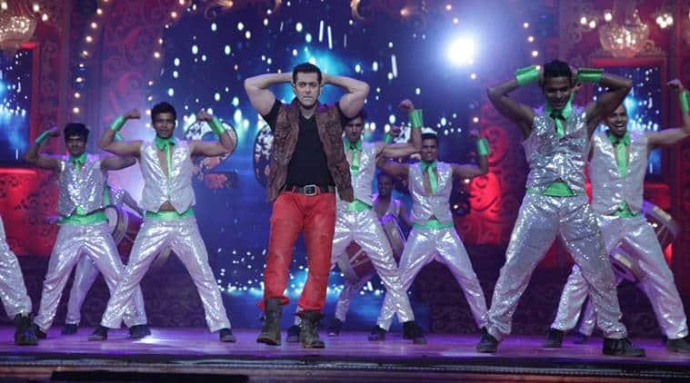 Salman Khan, Salman Khan Dance, Salman Khan Perform, Salman Khan BIg Star Entertainment Awards, Salman Khan Performance, Salman Khan Songs, Salman Khan Films, Entertainment news