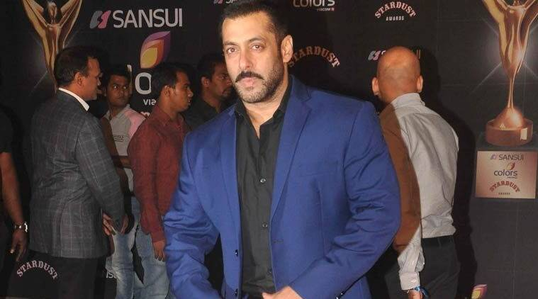Salman Khan, Salman Khan birthday, Salman Khan fans, happy birthday Salman Khan, Salman Khan 50th birthday, Salman Khan birthday party, Salman Khan treats his fans, Salman Khan gift for fans, entertainment news
